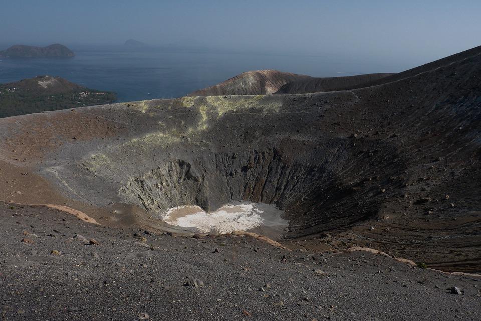 Poche eruzioni sull'isola di Vulcano